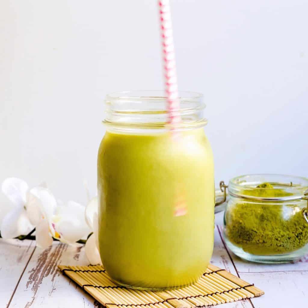 Keto Iced Matcha Latte LowCarbingAsianPic 1