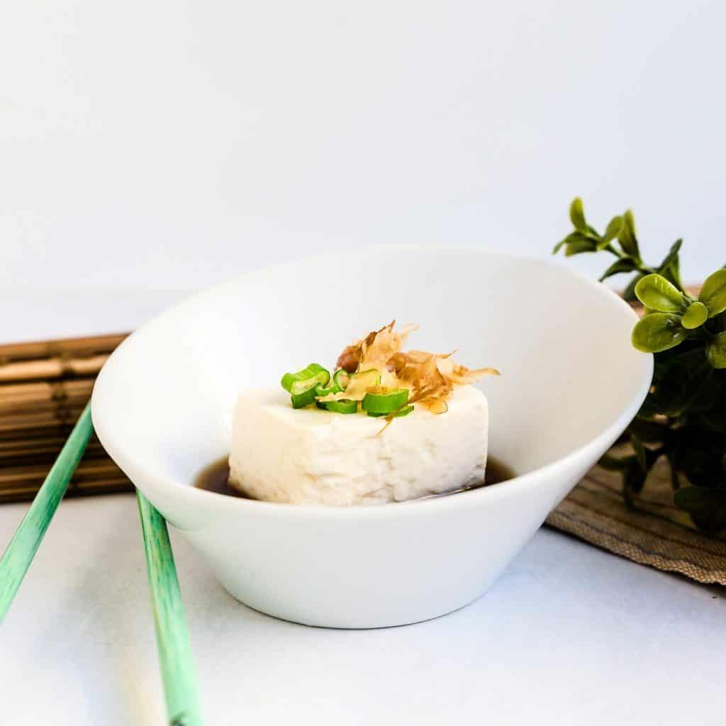 Hot Japanese Tofu - Yudofu LowCarbingAsian Pic 1