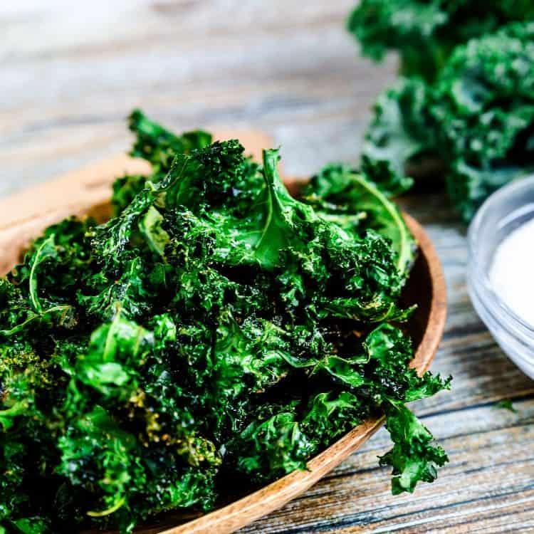 Salt n' Onion Garlic Kale Chips LowCarbingAsian Cover