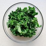 Salt n' Onion Garlic Kale Chips Recipe (4)