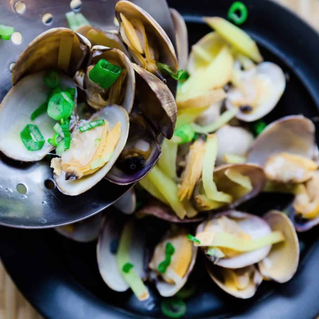 Low Carb Japanese Style Steamed Clams pic
