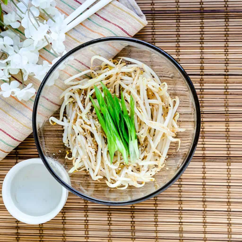 Bean Sprouts Stir Fry Moyashi LowCarbingAsian Pic 1