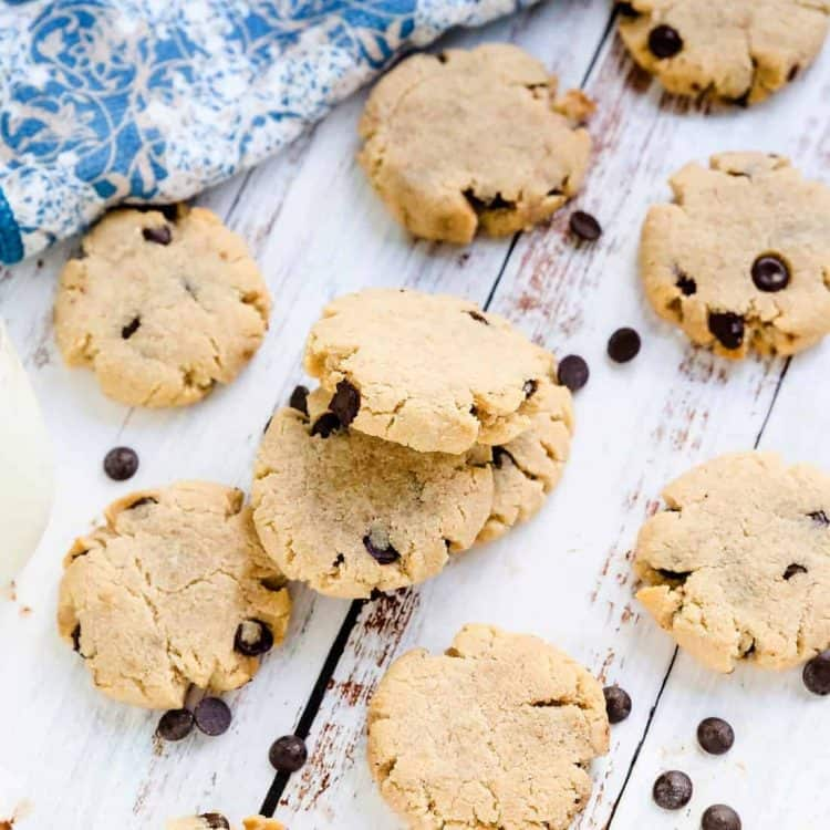 Keto Cream Cheese Chocolate Chip Cookies