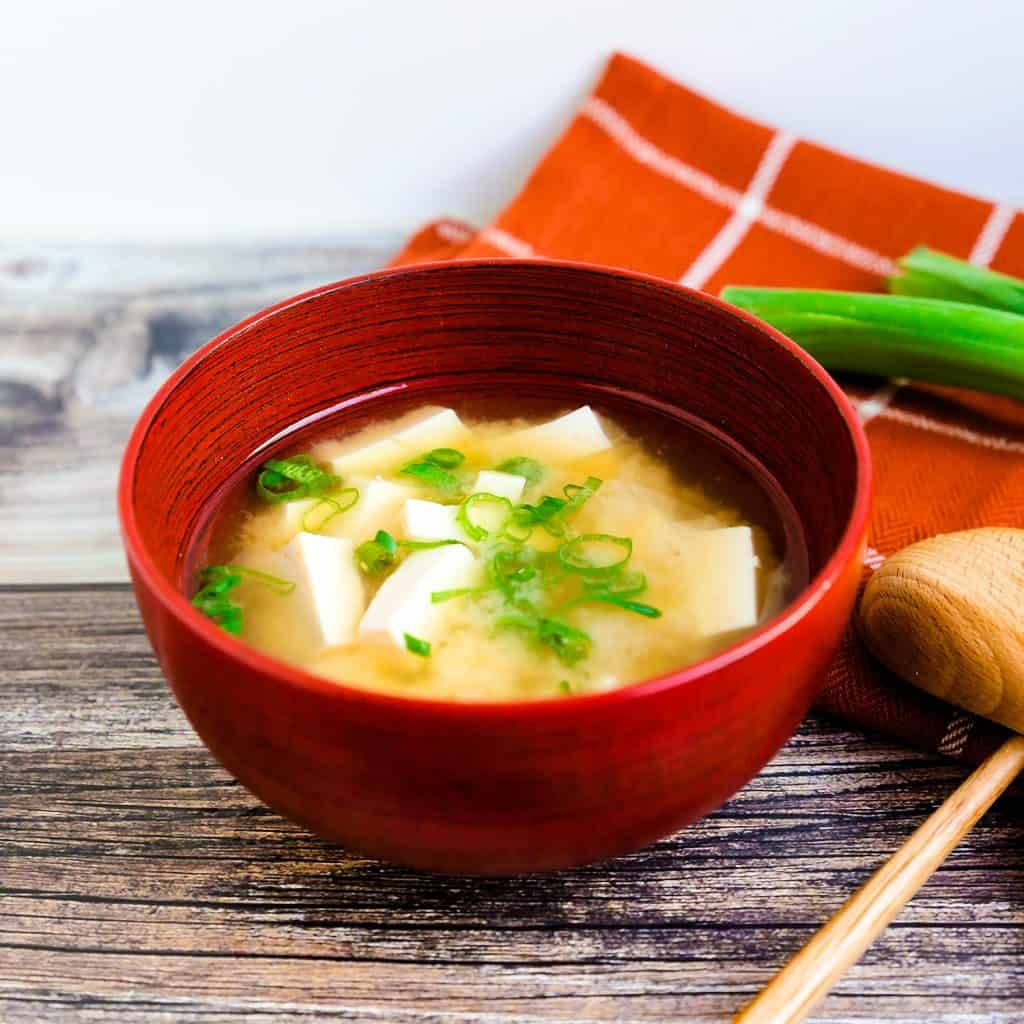 Traditional Japanese Miso Soup LowCarbingAsian Pic 1
