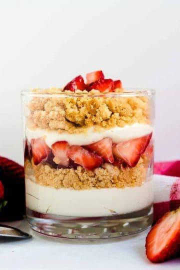 Keto Strawberry Cheesecake Parfait