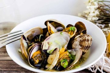 White Wine Garlic Manila Clams LowCarbingAsian Cover