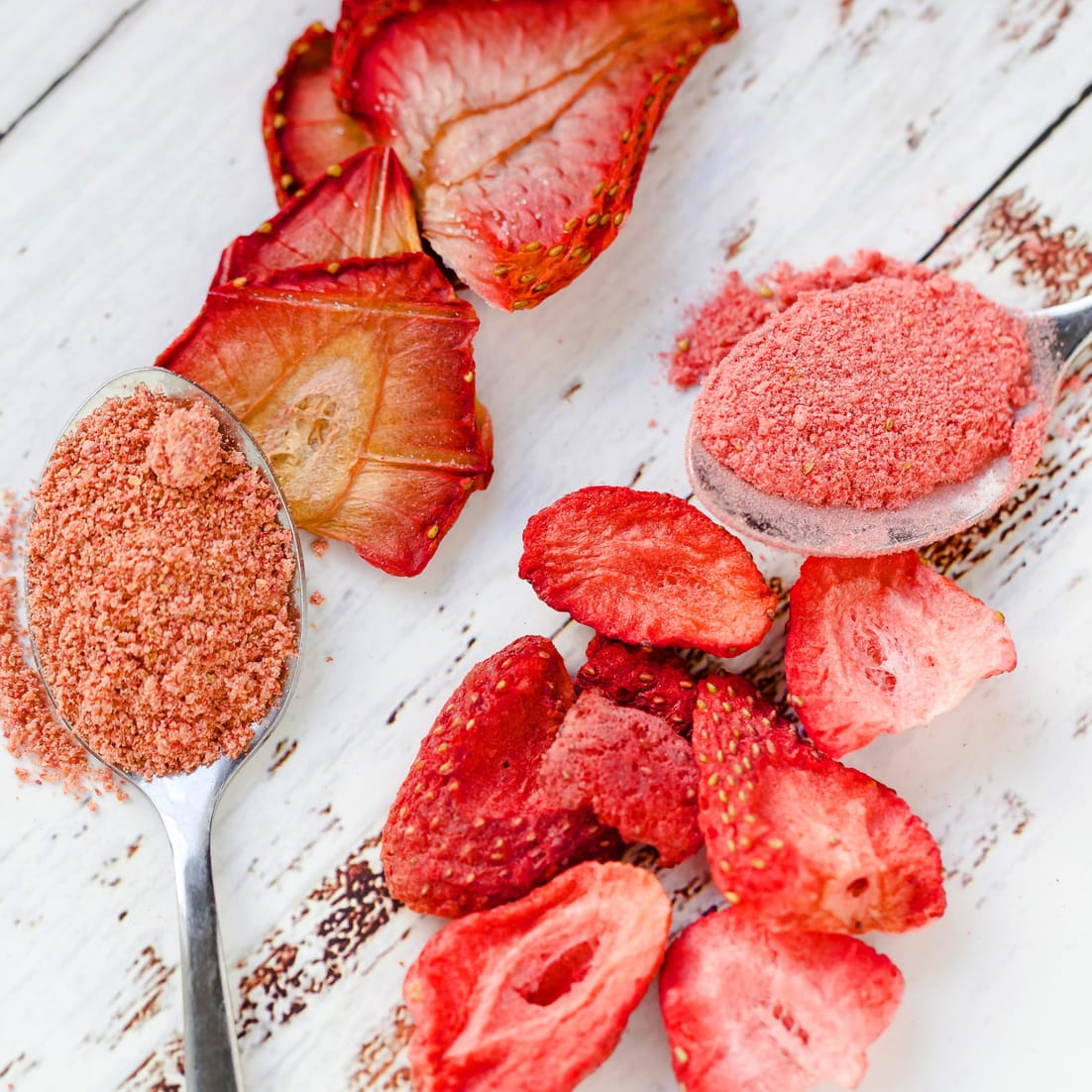 Keto strawberry powder made from fresh strawberries compared to freeze dried strawberries